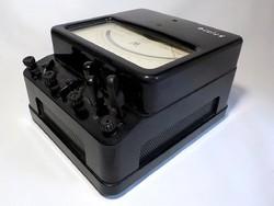 Régi  bakelit dobozos  asztatikus wattmérő   műszer  1953