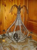 Régi fém-üveg csillár gyertyatartókkal, üveg gyöngyökkel