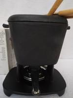 Öntöttvas, fondue készlet, dobozában.