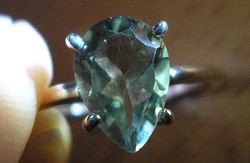925 ezüst gyűrű, 18,3/57,6 mm práziolittal (zöld ametiszt)