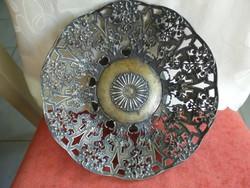 Áttört mintás fém gyümölcsös tál/asztalközép