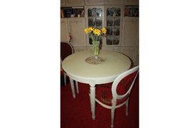 Chippendale kerek étkező asztal (nyítható ) 3 db székkel