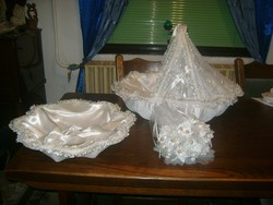 Habos-babos kellékek keresztelőre - bébihordozó, kosár, csokor