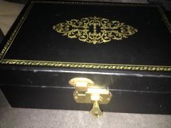 Biblia és egyéb tárgy tartó zárható doboz - Szent Bibliával