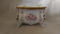 G.F.B Limoges kézzel festett puttós bonbonier