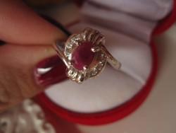 925 jelzett, míves, rubin köves ezüst gyűrű