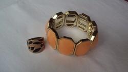 Narancsszínű kőbetétes,gumis bizsu karkötő + fekete és narancsszín foltbetétes bizsu gyűrű