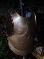 Lovagi páncél mellvért +hátvért +kézvért párban Eredeti kovácsolt vasból.