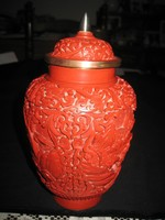 Cimóber váza ,szépen vésett mintával,zománc alapra ,10x 19 cm