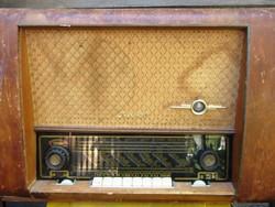 RFT Havel Elektroncsöves rádió, üzemképes, szól de csak UKW, MW hullámsávon.