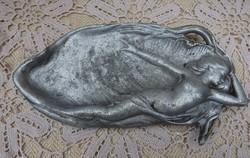 Fém hamutál / tálka női alakkal