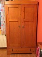 Antik felújított szekrények