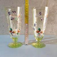 Festett virágmintás, halványzöld, talpas borospohár 2 db (456)