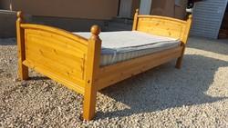 Eladó egy fenyő ágy, fenyőágy, gyerekágy Bútor szép, újszerű  állapotú,erős ágyrács van hozza. Matra