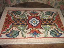 Gyönyörű antik kézzel hímzett gobelin díszpárna alap, falvédő új állapotban