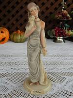 Capodimonte  Lady with Puppy By Belcari  kézzel festett szépséges női szobor kutyáva
