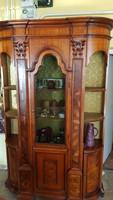 Gyönyörű barokk jellegű szekrény eladó