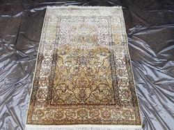 Hereke selyem kézi csomózású szőnyeg