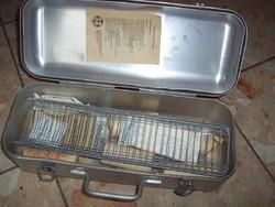 Régi elsősegély,mentő doboz sín+vérnyomásmérő is van hozzá!!