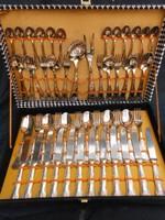 12 személyes ezüstözött evőeszköz készlet.Nagyon szép.