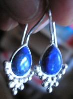 925 ezüst fülbevaló kezeletlen lápisz lazulival