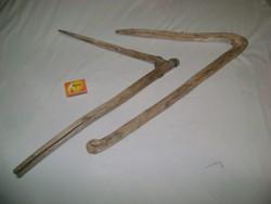 Két darab régi marokszedő - paraszti eszköz