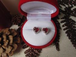 Karácsonyra: Valódi, vörös RUBIN szív csiszolás -  925 ezüst fülbevaló