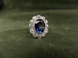 Brilles karmazált fehér arany gyűrű
