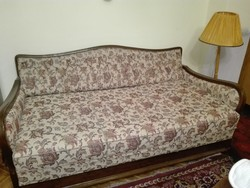 Neobarokk bútor