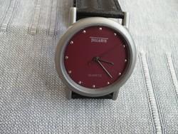 Polaris, egy gyönyörű titánból készült, kvarc szerkezetű uniszex óra