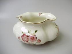 Gyönyörű Zsolnay rózsa mintás,gerezdes,fodros szájú váza