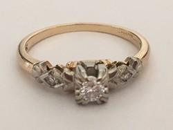 Különleges gyönyörű gyémánt gyűrű