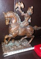Középkori solymászlány a lován, réz öntvény