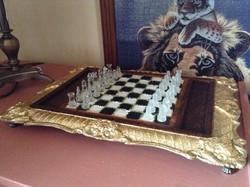 Pazar aranyozott ,peridottal kirakott sakk