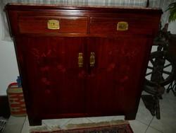 Álomszép, különleges magas, antik szecessziós intarziás, olasz vörös márványlapos kis komód