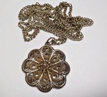 Régi ezüst nyaklánc filigrán virág medállal