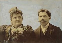 0T830 Antik színezett családi fotográfia