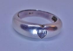 Szép régi ezüst gyűrű szív alakú kővel