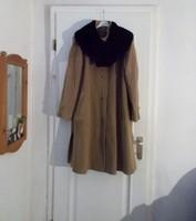 Szebbnél szebbek molett  nálam angóra gyapjú kabát  szőrme galléros 124 mell 105 hosszú