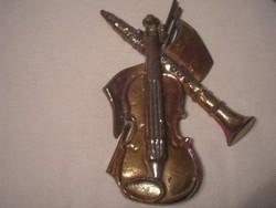 ú1 Hegedű eozinos fali dísznek is  kovácsolt vasból 25 x 10 cm-es