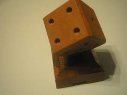 N7 A kocka el van vetve  Antik súlyos fém levélnehezék vagy dísznek dobókocka ajándékozhatóan