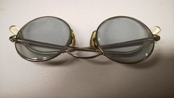 Régi kerek szódásüveg szemüveg