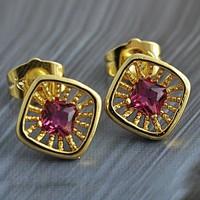Töltött arany (GF) fülbevaló, lila CZ kristállyal