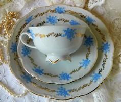 Régi szépséges kék-arany porcelán 3 részes reggeliző szett, csésze-kistányérok