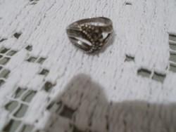 Szép ezüst markazit nöi gyürű