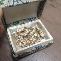 Régi kínai tűzzománc ezüst nyaklánc dobozában