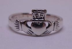 Különleges  tömör ezüst gyűrű