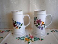 Eredeti kézzel festett Kalocsai porcelán sörös korsó, kupa 19 cm magas