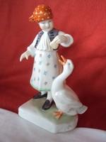 Herendi libát etető kislány porcelán figura