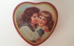 Szív alakú ajándékdoboz a 40-es évekből